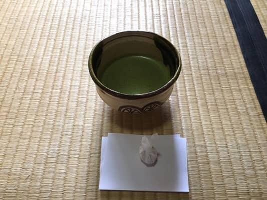 抹茶と干菓子の画像