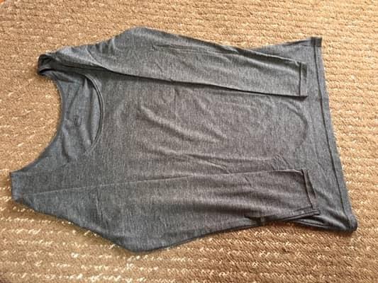 Tシャツの折り方の画像①
