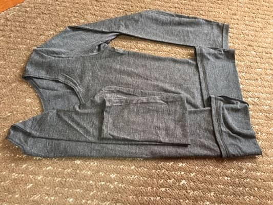 Tシャツの折り方の画像④