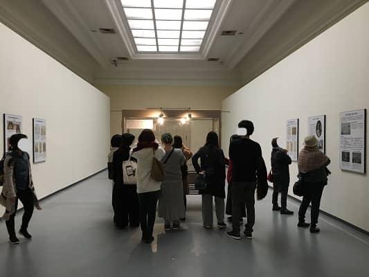 骨喰藤四郎復元模造展示の様子の画像