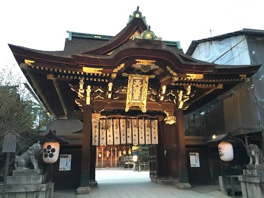 北野天満宮拝殿への入口の画像